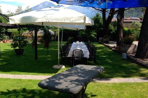 Hotel-maloia-ristorante-giardino-5