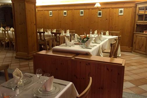 Hotel-maloia-ristorante-taverna-1