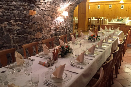 Ristorante matrimonio - Allestimento taverna - Hotel Maloia